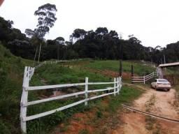 Título do anúncio: Vendo sítio 4km de Araguaia. 20.000 metros quadrados  com escritura .