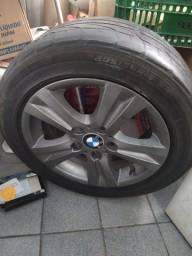Rodas BMW com pneu