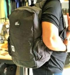 Mochila Onbongo com Porta Notebook 3X de R$ 26,41 - Frete Grátis para Maringá