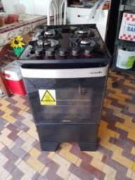 Vendo fogão semi novo com 2 meses de uso com nota fiscal e ainda está na garantia