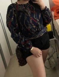 Blusa de cetim da charm lady