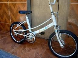 Bicicleta infantil $140 . leia