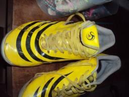 7722c45e368f4 Chuteira adidas traxion amarela 41 society futebol esporte campo