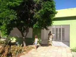 Alugo casa solta com piscina 3 qts 1 suíte no Janga