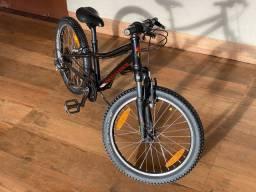 Bike Specialized aro 20 ideal para crianças de 5 a 8 anos