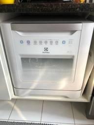 Lava-louças Branca Electrolux 8 Serviços 127V
