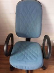 Título do anúncio: Vendo Cadeira escritório giratória com rodinhas