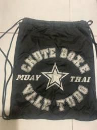 MUAY THAI MOCHILA CHUTE BOXE