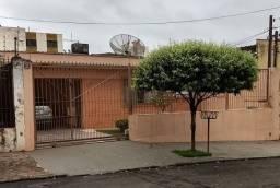 Casa com 3 quartos - Bairro Centro em Londrina