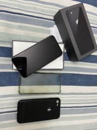 Vendo iPhone 8 impecável, na caixa!