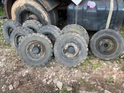 Lote de pneu maciço 700x12