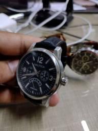 Relógio de pulso náutica.