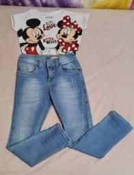 Calça jeans e t-shirts