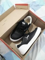 Sapato semi novo.