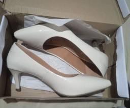 Título do anúncio: Sapato novo na Caixa