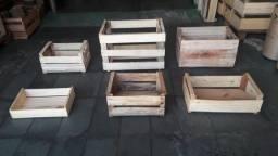 Caixote de madeira para decoraçao