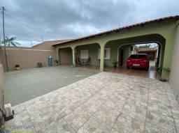 Casa para venda possui 360 metros quadrados com 4 quartos em Altos do Coxipó - Cuiabá - MT