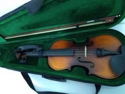 Vendo um Violino Giannini GIV-AF 4/4 completo, com estojo, arco, espaleira e breu