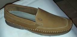 Sapatilhas / mocassim couro novos