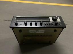 Rádio-amplificador vintage Hitachi Japonês anos 1.980 Ótimo estado