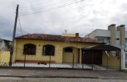 Vendo Casa no Jardim Eldorado. Rua Comercial. Valor R$ 450.000.00 Reais.
