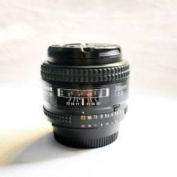 Lente Nikon 35mm AF f/2.0D [aceito cartões]