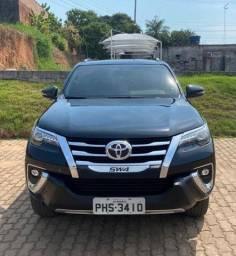 Hilux SD4 SRX 4x4 Diesel 2018 (7 lugares)