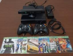 Xbox 360 desbloqueado + 2 controles + Kinect + cabo HDMI + jogos vendo ou troco
