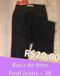 Calça Jeans Boca de Sino NOVA