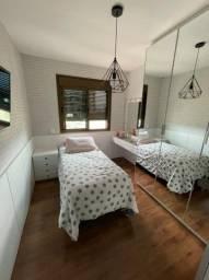 (M) Apto no Balneario do Estreito, 3 dorm, 1 suíte, 2 vagas, móveis finos!