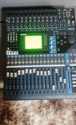 Console Yamaha 01V96 VCM (Leia o Anúncio)