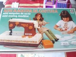 Título do anúncio: Máquina de costura antiga da estrela