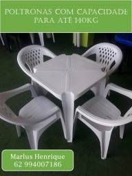 Jogo mesa e cadeira de plástico