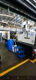 Máquina injetora de plásticos 380ton.