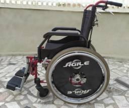 Título do anúncio: Cadeira de Rodas e Higiênica, andador, muleta e bengala.
