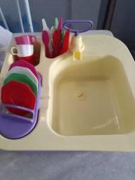 Pia de lavar pratos infantil