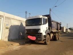 Título do anúncio: Caminhão mercedes basculante 33x40