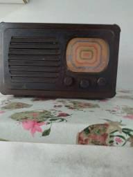 Radio antigo ,de valvulas ,para restaurar