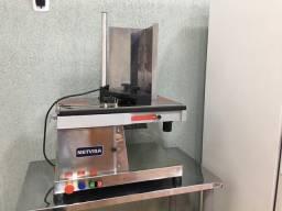 Fatiadora de frios automática horizontal