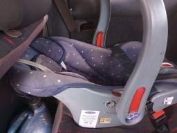 Título do anúncio: Vendo bebê conforto oi troco por assento de elevação