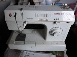 Vende-se Máquina de costura Singer Facilita seminova por apenas 800 reais