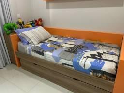 Cama com colchao tamanho 1x1,98, cama auxiliar, com painel para TV