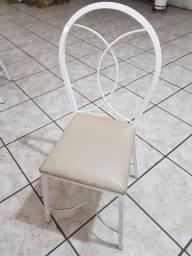 Vendo cadeira de ferro