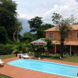 Linda Chácara com casa de 07 Qts , em otimo local Bairro Vivenda Sta Monica II