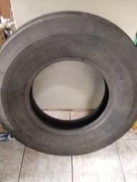 Pneu pirelli TD500. 7.50-16