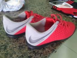 Chuteira Society Nike Juvenil, tamanho 37