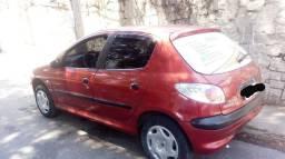 Peugeot 206 1.0 16v 2001.<br><br>