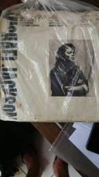 Discos do Michael Jackson e um of base de ragga.