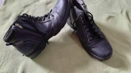 Sapatos couro Tam.43, ler anúncio