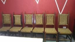 Cadeiras colonial revestidas em naylon 85,00 cada
